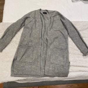 Grey cardigan from Abercrombie & Fitch